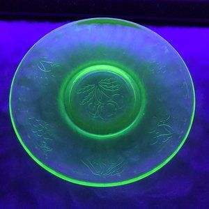 Vintage Vaseline Uranium Small Saucer Plate Glow